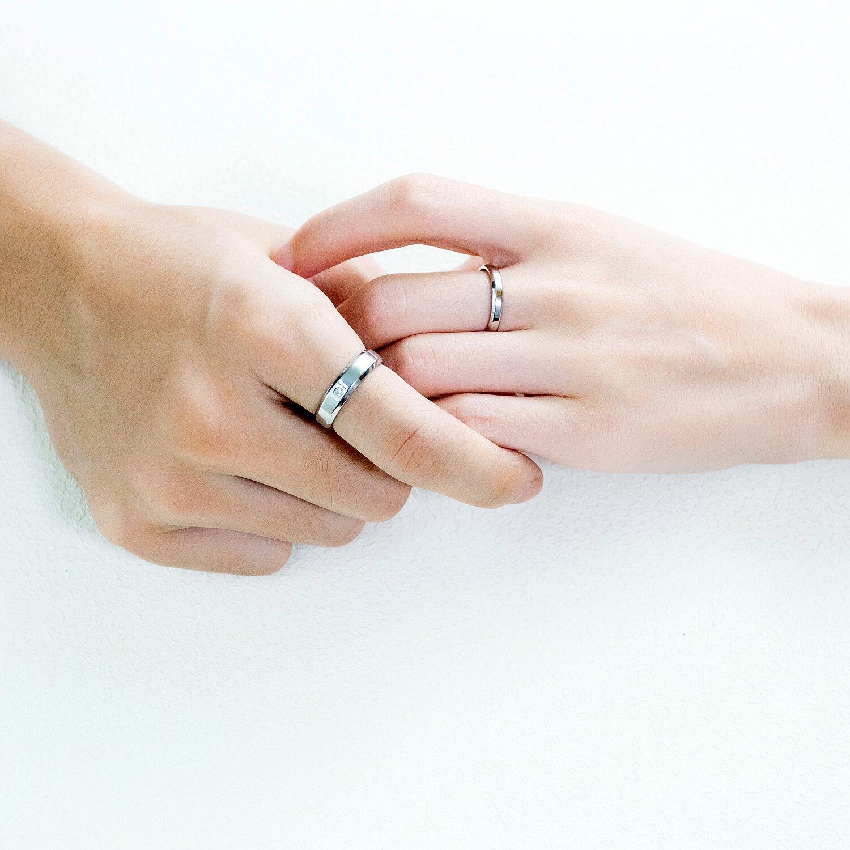 女款|超亮眼的極簡削邊設計!情侶對戒就選這款,內圈刻字刻下我們的小故事