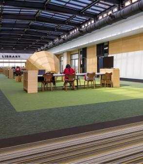 台灣的辦公室設計空間鋪設植物系顏色的bolonPVC編織設計地板