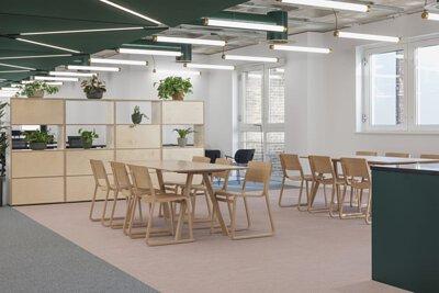 英國倫敦的辦公室設計空間鋪設淡粉色和灰色的Bolon PVC編織設計地板