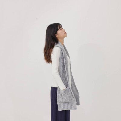 Milly麻花針織連帽口袋圍巾/淺灰