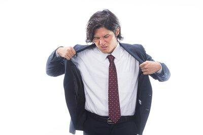 上班族最怕商務襯衫整個濕透