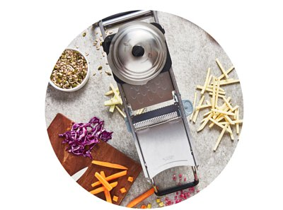 de Buyer slicers and mandolines: slice your vegetables and fruits quickly, safely and in multi cuts like a chef