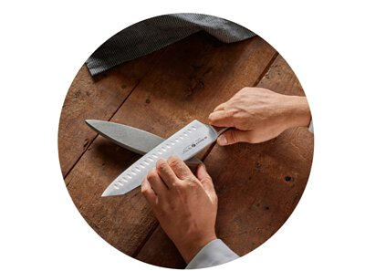 High quality kitchen and chef knives made in France by de Buyer and Claude Dozorme