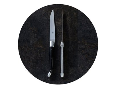 Genuine Laguiole knives crafted by the master culters of Forge de Laguiole, Claude Dozorme...