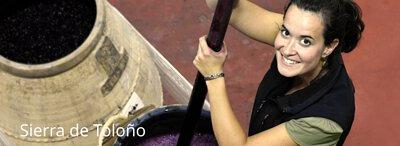 Sandra Bravo winemaker of Sierra de Tolono