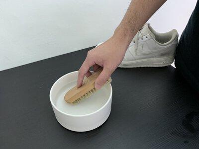 洗鞋特工鬃毛刷沾濕