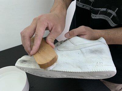 刷洗airforce鞋