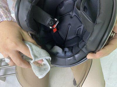 清潔擦拭安全帽