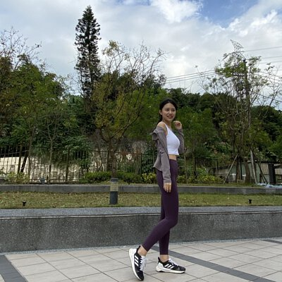 運動短袖,速乾短袖,機能短袖,跑步短,罩衫,跑步上衣,運動上衣,瑜珈罩衫,運動背心,跑步背心,速乾背心,機能背心