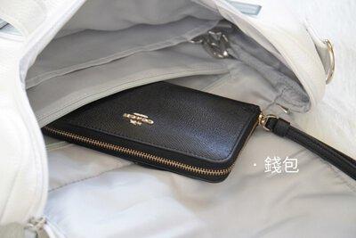 拉鏈暗袋可以放置錢包等貴重物品