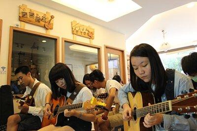 黃彥陸老師的雙吉他伴奏編制講座-上課剪影