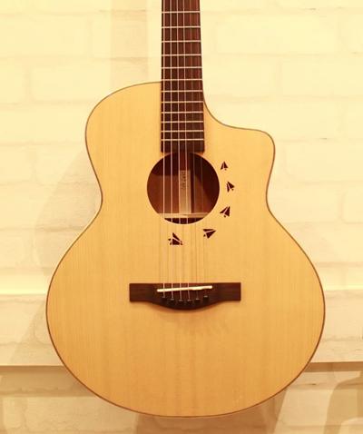 37吋旅行吉他