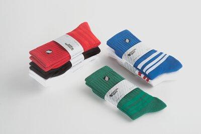 nozzle quiz 已經完售的基本款條紋中筒襪系列,素雅的外觀與機能襪履的強大性能,展現出生活中的態度。