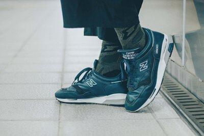 台灣街頭機能襪履品牌 nozzle quiz 與誠品生活松菸店的AXES 合作推出的聯乘企劃,透過潮流型人的襪子搭配示範,展現街頭穿搭的風貌。new balance  x 墨綠機能襪子