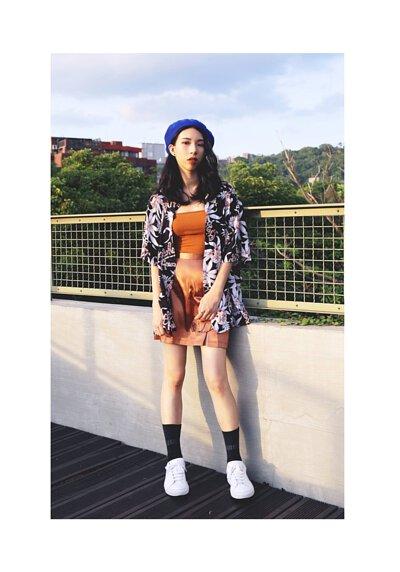 台灣街頭機能襪履品牌 nozzle quiz 與誠品生活松菸店的AXES 合作推出的聯乘企劃,透過潮流型人的襪子搭配示範,展現街頭穿搭的風貌。素人街拍示範襪子穿搭