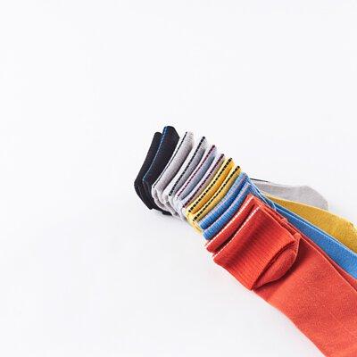 台灣街頭潮流襪子品牌nozzle quiz 後研 19SS NEW BASIC基本款素色機能襪履,將「基本」以最純粹的方式呈現。同時擁有「薄襪」的輕薄視覺且觸感清爽,推薦帆布鞋、滑板鞋、涼鞋、VANS、街頭流行古著工裝風格搭配。