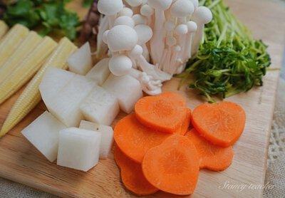 紅白蘿蔔切薄片