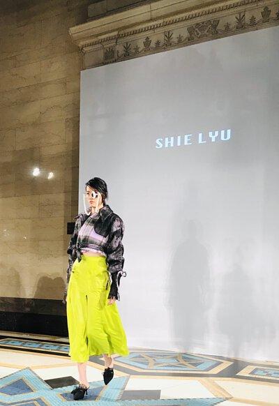 《19AW倫敦時裝週 》 LARMURE倫敦特派員隨筆#主要的設計趨勢,建立在運動與時裝結合,異材質與細節的點綴。