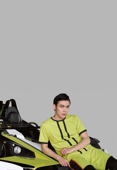 《19AW倫敦時裝週 》 LARMURE倫敦特派員隨筆 #2019春夏,LARMURE主推螢光色系服飾,結合跑車的概念,將流暢的服裝線條、明亮色彩與TCool機能布料相互搭配,面對即將來臨的炎炎夏日,輕鬆展現我們的時尚態度。