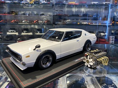 Ignition IG1806 Nissan Skyline GT-R (KPGC110) White with engine Special 1/12