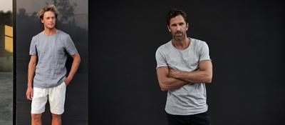 灰色素T搭配白色或黑色的休閒褲,整體造型看起來更吸睛。