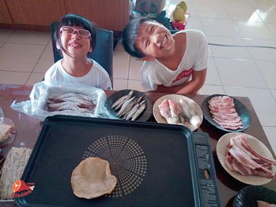 中秋節無煙烤肉,烤盤與小孩