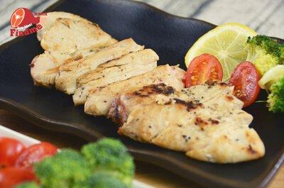 【蛋白質補給站】無油香煎嫩雞胸~不用在吃水煮雞胸了!