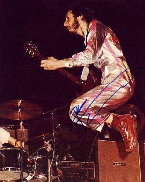The Who 團員 Pete Townshend 穿Dr. Martens馬汀鞋