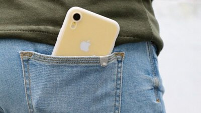 UNIU 半透明液態矽膠手機保護殼,抗黃抗污防摔,還有你最愛的親膚感