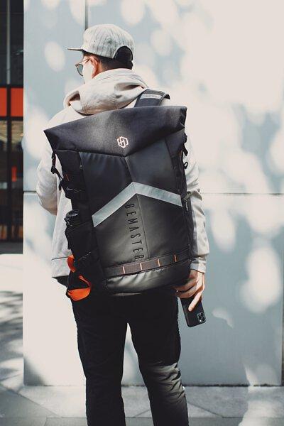 你旅途中需要的一切功能,都在一個背包上被實現了-BeMaster型旅包
