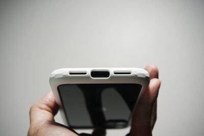 首 PO 爆夯果粉圈!話題款 iPhone 11 / XR 手機殼,搶鮮開箱-OVERDIGI 鑽石框