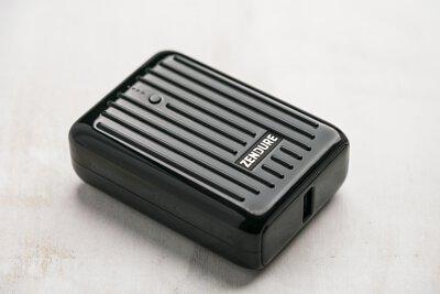 巴掌大的 10000 毫安時 PD 快充行動電源,2020 行充之王- Zendure SuperMini