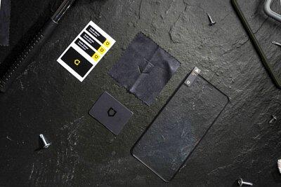 廠商給我鐵鎚做什麼!?開箱【犀牛盾 3D 壯撞貼】- 敲不破的最強螢幕保護膜