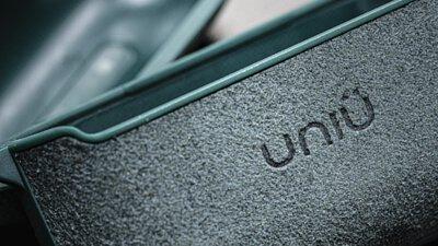 一手掌握藍寶堅尼!超跑同款 Alcantara 麂皮 - UNIU UYES AirPods Pro 保護套