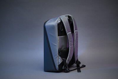 【開箱】防水多隔層、久背不負擔 Pix 智能 LED 後背包 - 收納控與潮人的新一代超狂玩物!