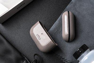 「活出質感溫度,帶上屬於自己的皮革色澤」- 開箱 alto 頂級真皮 AirPods Pro 保護套