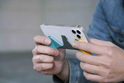 使用SAPOTO折折手把舒適的玩手機遊戲