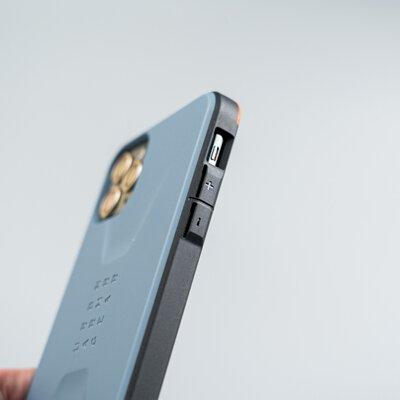UAG簡約款手機殼按鍵細節