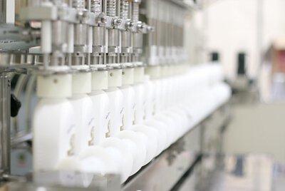 榮進製藥工廠生產線