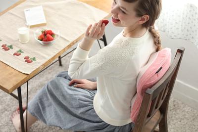 一般按摩抱枕使用於椅背,可幫助按摩背部。