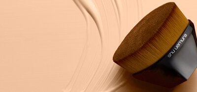 植村秀粉底刷推薦  彩妝刷具系列 粉底刷/底妝刷18萬9千根細緻刷毛 日本手工打造神級底妝刷推薦