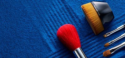 植村秀蜜粉刷推薦  刷毛細緻 輕鬆快速完妝 透明感升級