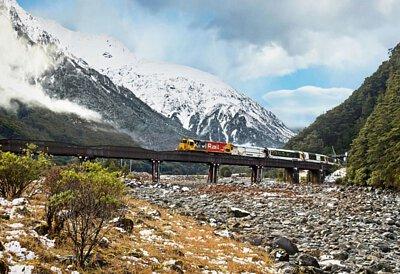 紐西蘭自然生態高山冰河與火車8日