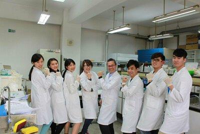 "<img src=""ispshopstore-research-team.jpeg"" alt=""ispshopstore-research-team"">"