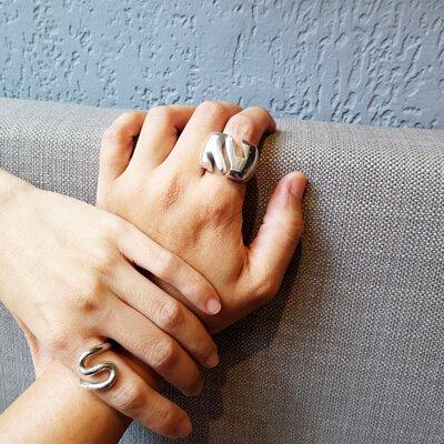 揪感心!mittag銀飾提供 1元手工敲字和電腦雷射雕刻的客製化服務,讓您的禮物超特別