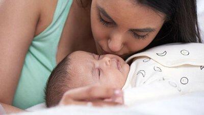 媽媽或寶寶生病期間的母乳餵養