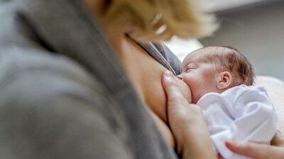 為早產寶寶哺餵母乳