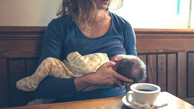公共場合母乳餵養的五個技巧