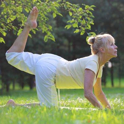 瑜珈養生,退休族,伸展,慢生活,健康,銀髮族