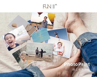 PhotoPrint, 線上相片沖洗,把拍下難忘時刻的相片沖印出來,一邊看著笑著哭著回憶著,一個人輕鬆舒適的坐在床上,照片在腳邊堆疊著
